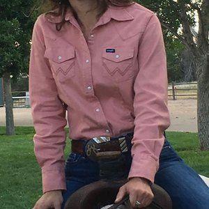 Womens Pink Wrangler shirt - Size small